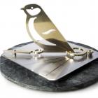 Songbird horizontal sundial
