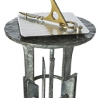 The PARKLAND pedestal with Hourdial