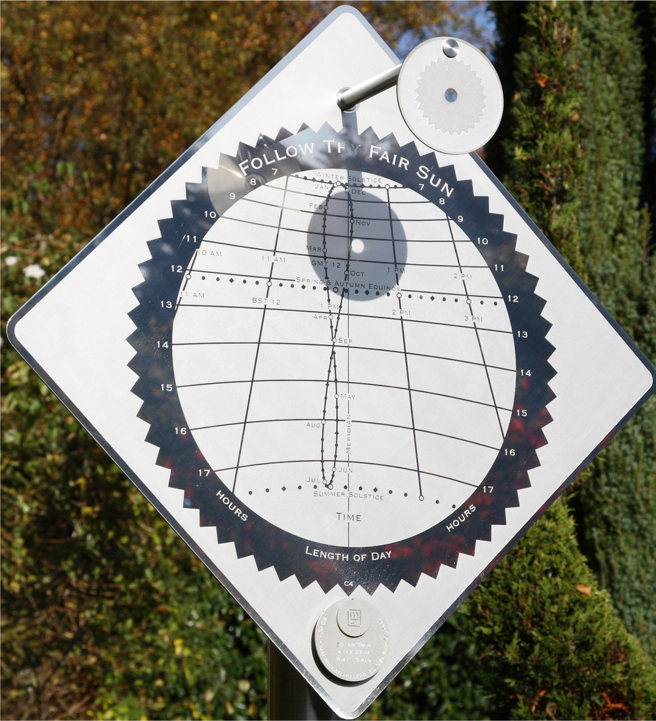 Solar Time I sundial inspired by yearly cycle of earth and sun