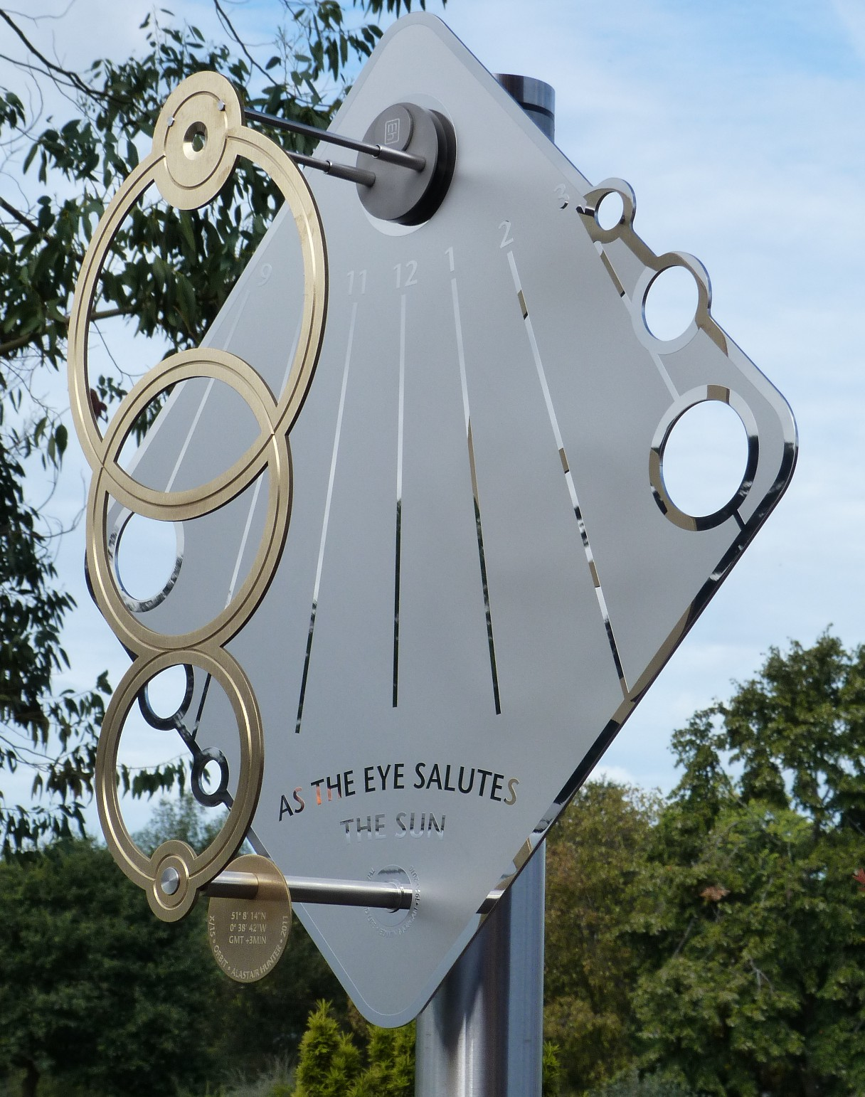 Sundial sculpture inspired by orbit of earth around the sun