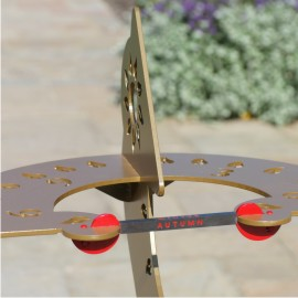 Dihelion sundial captures the equinox in autumn sunshine
